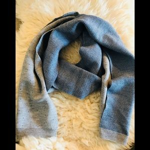Other - 🧣 Gray blue dots winter scarf Frownes 10x60